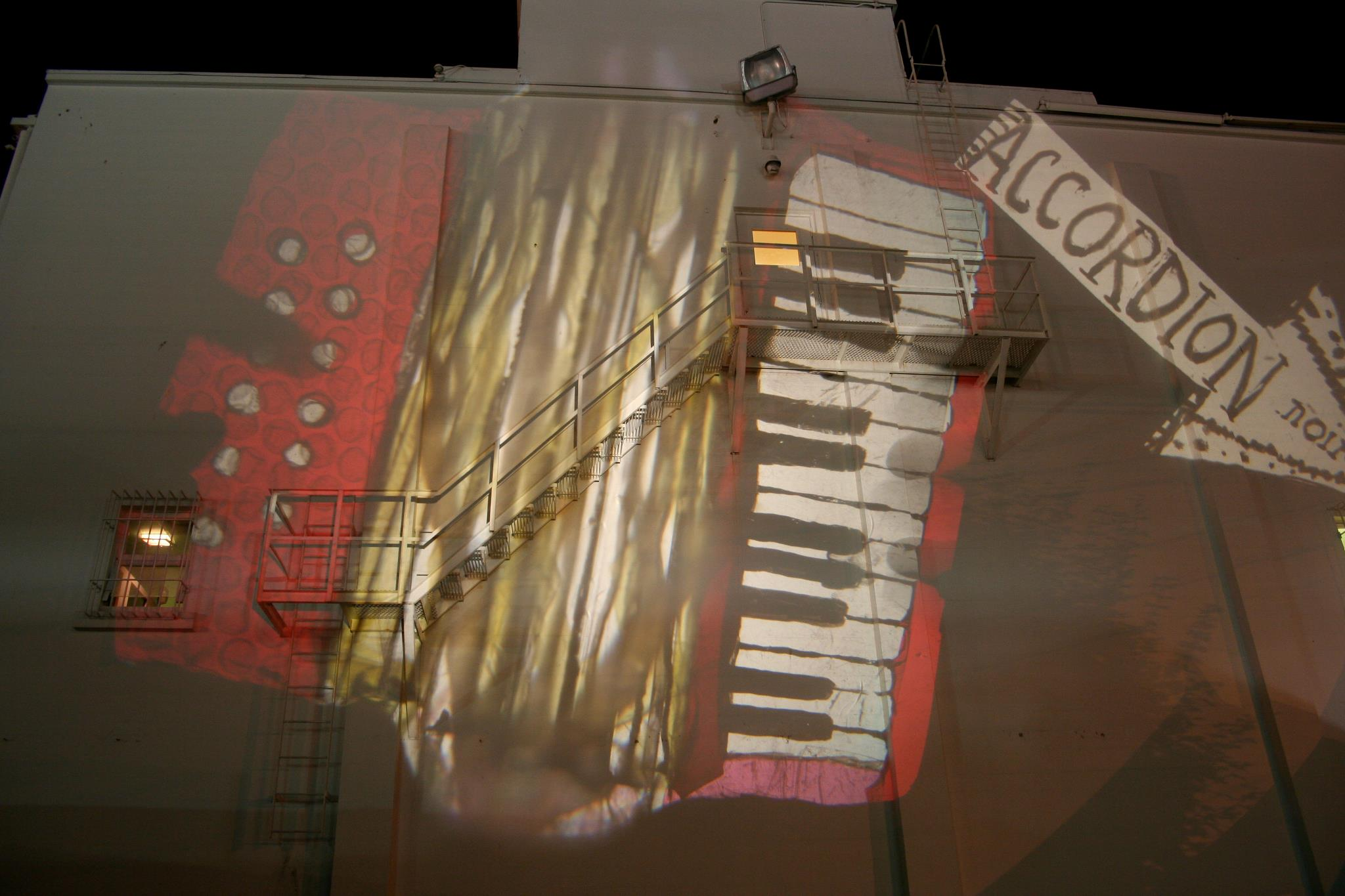 MoaS accordion projection